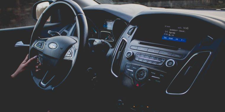 Szeroki wybór części samochodowych